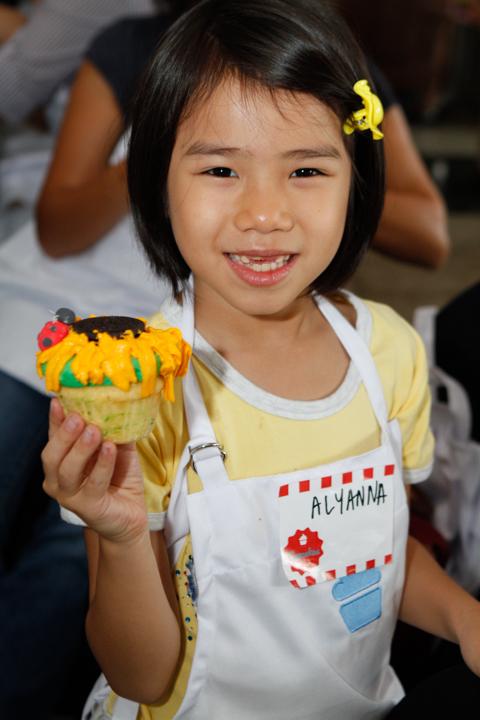 CupcakesBySonjaMomBloggers-327